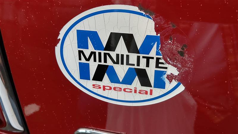 ルーフラッピング施工 、MINILITE spacial 貼り付け