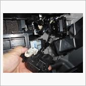 エアコンエアミックスサーボのメンテの画像