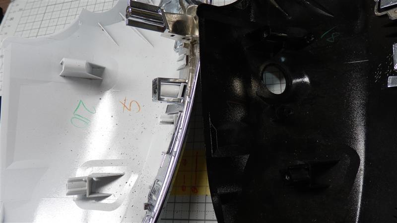 次に新世代ミラーのアウターミラーカバーを検証します。<br /> 左がカメラ無し右がカメラ付き用です。<br /> ー2に続きます。