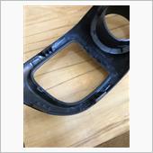 メルカリで買ったメーターパネル。<br /> ルーバーを固定する爪が折れているとの事だったので予定通り修理。<br /> グルーガンで接着して終了。<br />