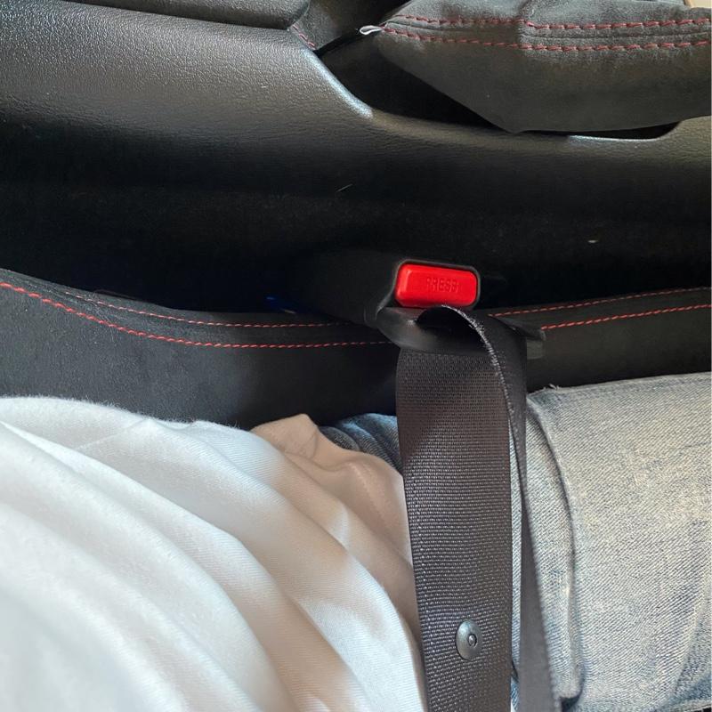 シートベルトキャッチ移設
