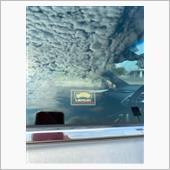 取付後の運転席側窓ガラスです。<br /> <br /> これで少しは抑止力が高まったのかなと思いますし、不安も軽減されました。<br />