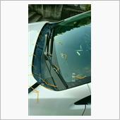 運転席前はフリーにして貼ってますが、フロントウインドウの毛糸は邪魔だったので、一回走って剥がしました。<br /> <br /> 雨天時に見えるし(笑)