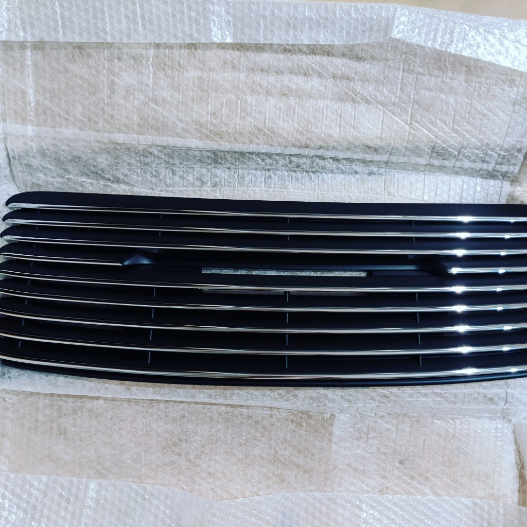 911 50th rear chrome grill