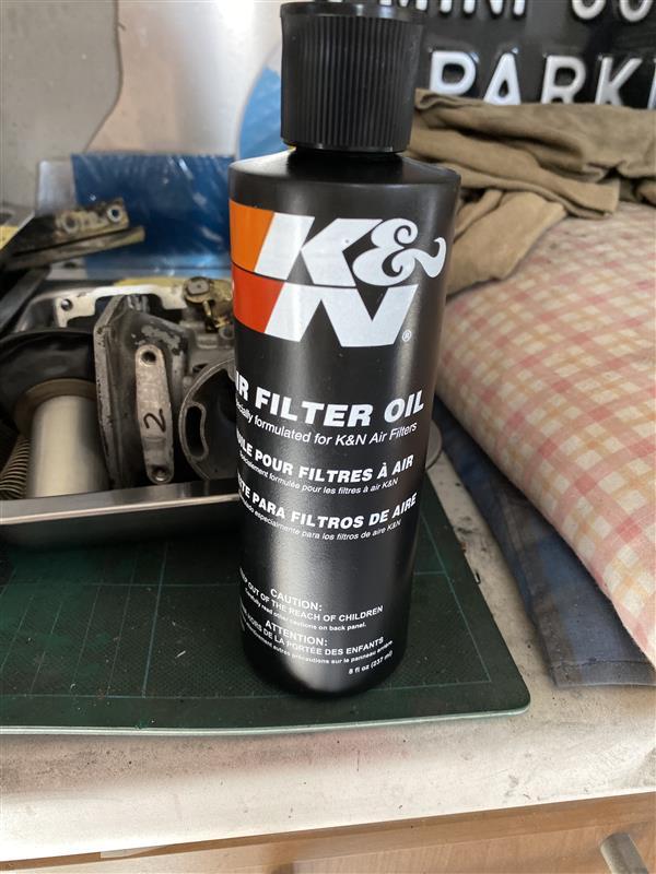 K&Nフィルターオイル塗布