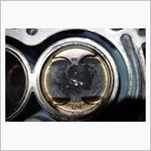 ところで,ピストンのMW3の刻印って...RC42のピストン!?<br /> <br /> おろしたエンジンには,同じメーカとはいえ,2輪のしかも空冷のピストンが流用されていました.