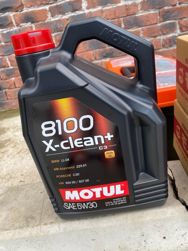 モチュール 8100X -CLEAN+ 5w-30 ❷