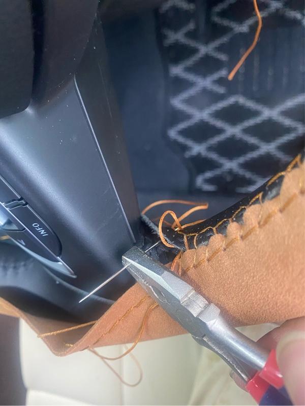 ハンドルカバー縫い始めた