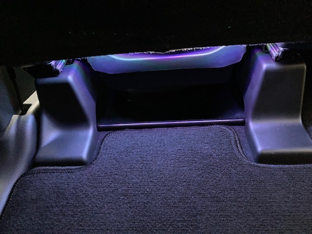 LEDフットランプ取り付け
