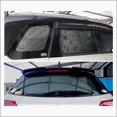窓からの視線や冷気を防ぐ為、後席・<br /> 荷室側面・テールゲートのガラス窓を<br /> 余っているレジャークッションで<br /> 塞ぎました。<br />