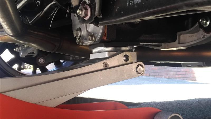 ガレージジャッキを使用したジャッキアップの方法