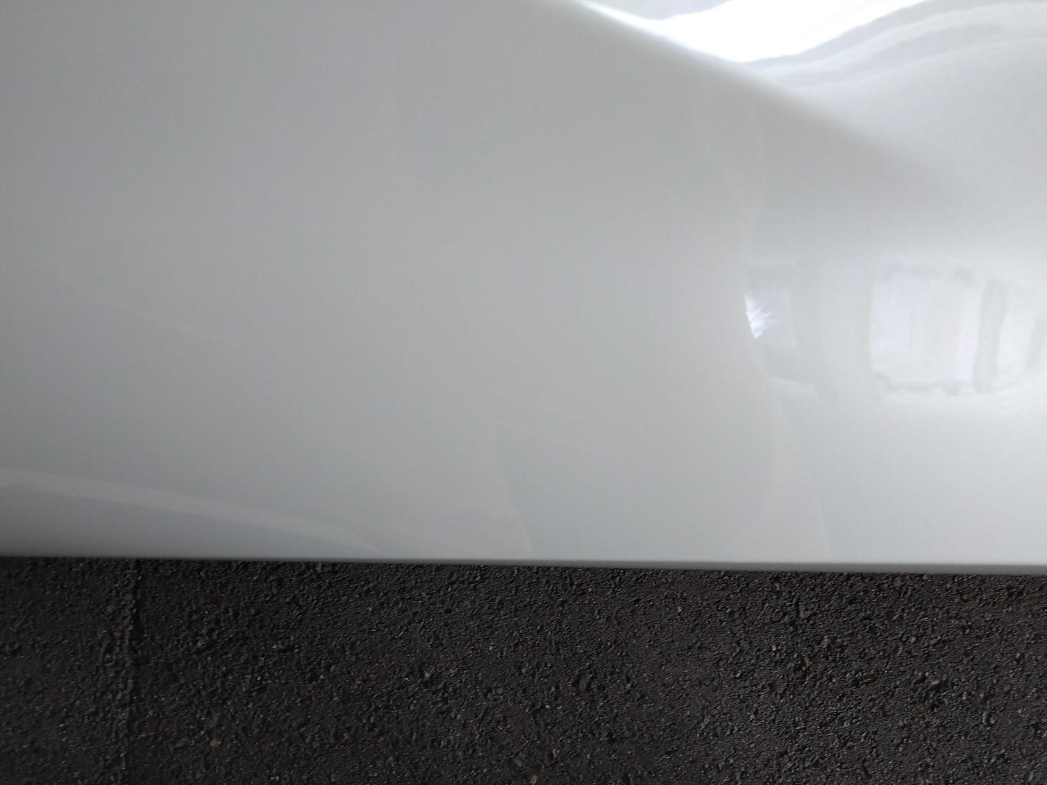 フロント出ヅラ…<br /> フェンダー内に収まっております…<br /> ワイトレなどで出した方がカッコは良くなりますがディラー出禁は困りますので…