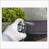 うちのはK&Nの湿式フィルターなので、専用の洗浄スプレーとオイルを使います。<br /> <br /> 前回掃除してから一年ちょいですね。