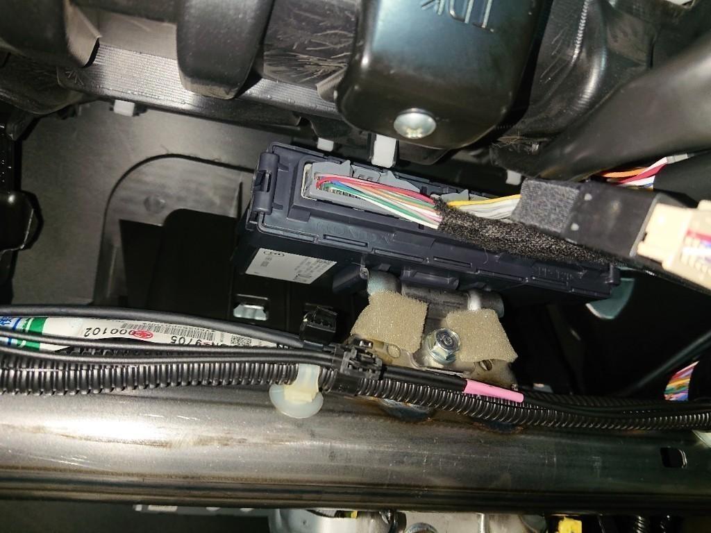超絶簡単リモコンエンジンスターター取り付け(カーメイトTE-W8000)フリードプラス