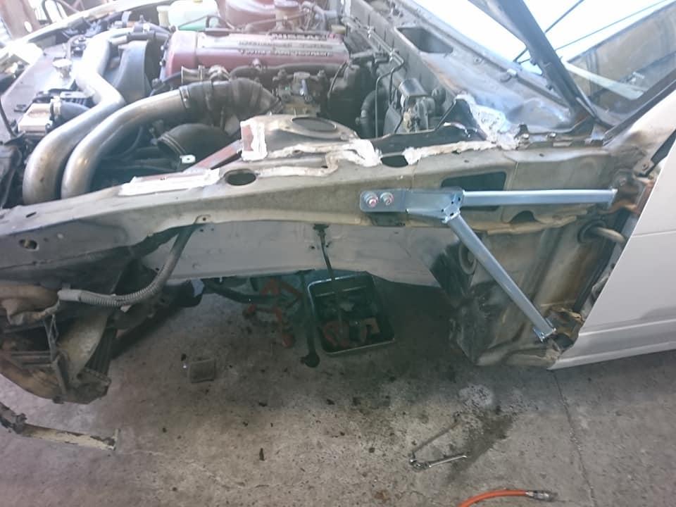 フロントストラット周り修正、補強