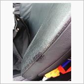 シフトノブが乾いて問題なかったのでシートに!<br /> 助手席の方がスレがひどいのです