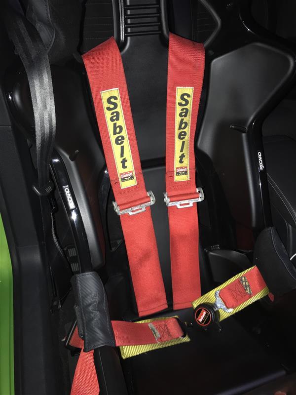 BMW E46M3 サベルト4点式からシュロス6点式へ