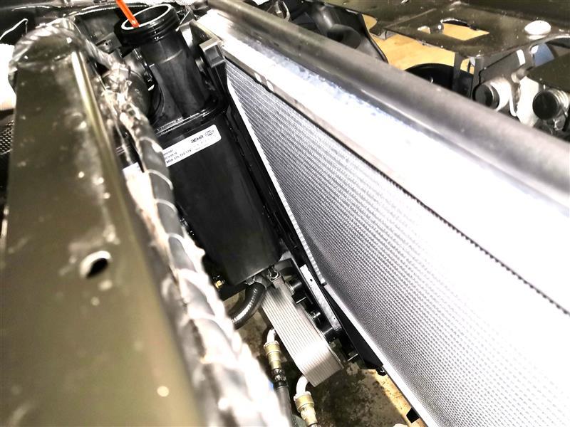 事故後修理⑧前半 ラジエーター&サブタンク取付