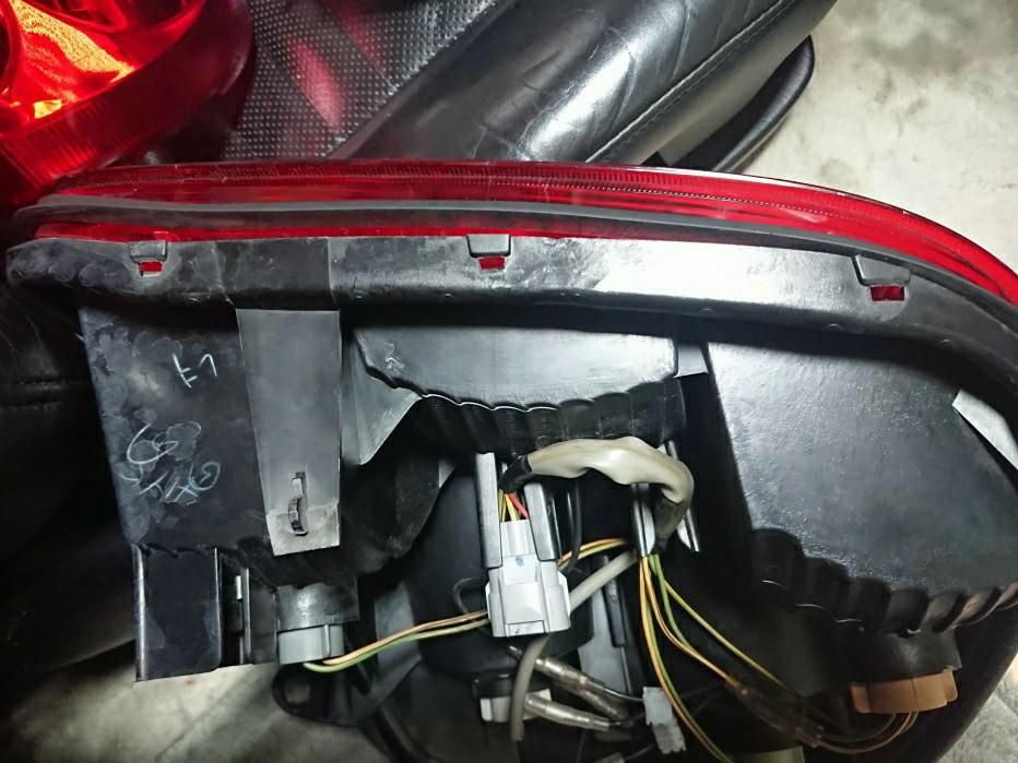 リアサイドマーカー風ランプ 取付