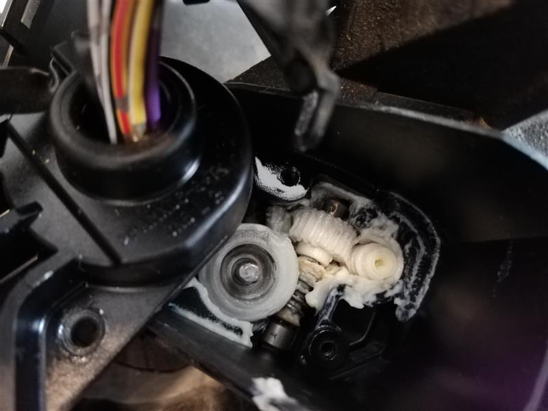 ドアミラー格納不具合修理