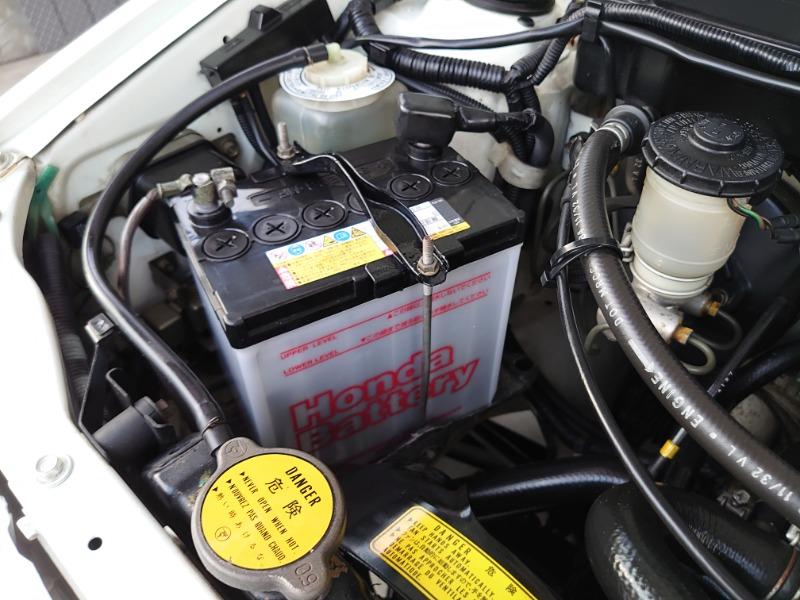 バッテリー交換及び固定金具補修