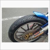 今度のタイヤはサンダンスのお勧め、METZELER クルーズテック。フロントのサイズは190/90-19。