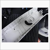 Bピラーのカタカタ音はシートベルトアジャスターのパネルからなのでそこを外します。<br /> <br /> レネゲードでも同じ異音で、同じ様な事した気がします(^^;)<br />