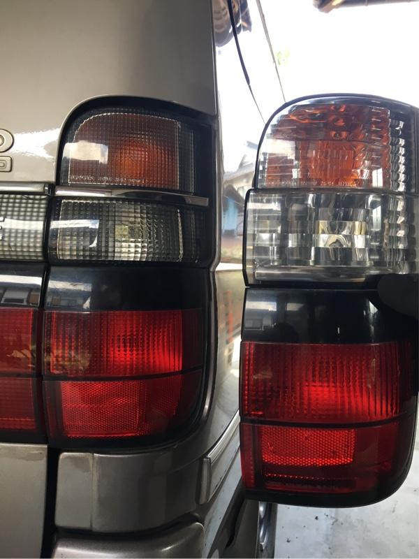 右側のテールランプが別のグレード物が移植されていたので、ヤ○オクで格安品を購入して戻しました。