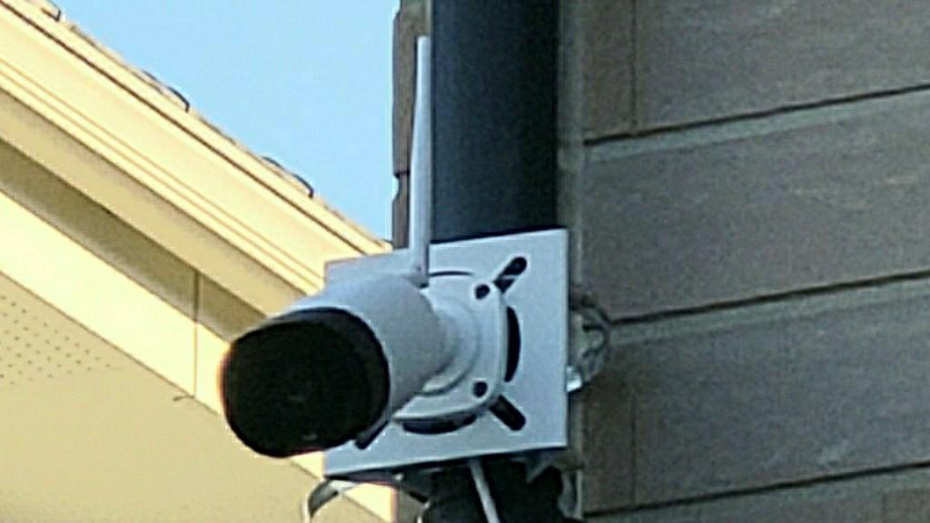 監視カメラ、付けました。