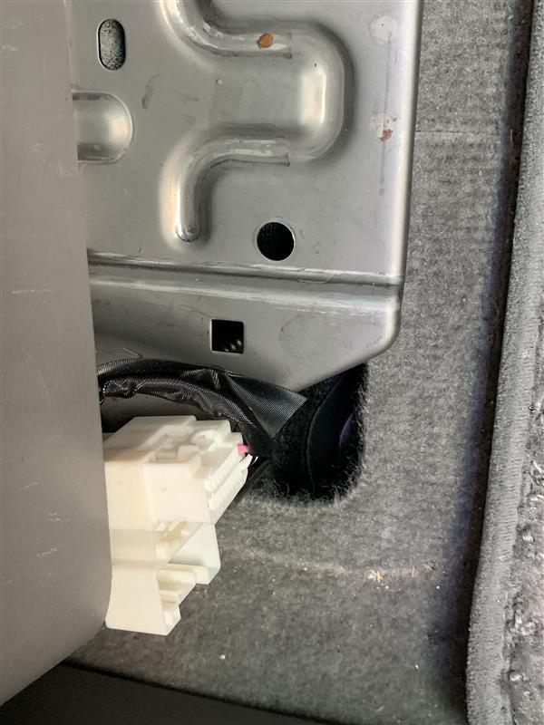 スイッチホールタイプQC3.0対応USB充電ポート&簡易電圧計取付