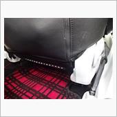 後席用に前席後ろにLED貼ります。