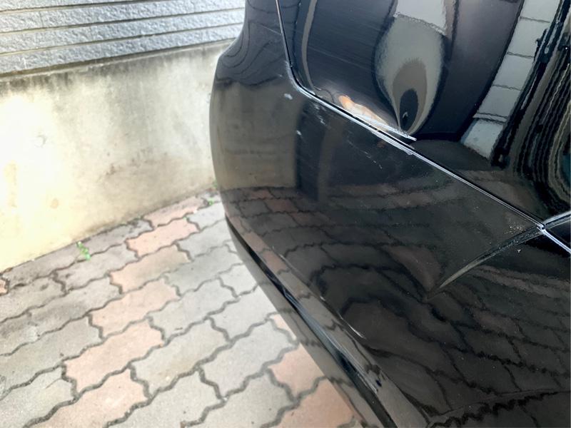 先日フォレスターがパンクした日(17日)に<br /> 帰宅すると、妻が『車庫の柱に擦ってしまったと』<br /> <br /> 先日スバルで修理し、バックカメラまで装着した<br /> ばかりなのに何故💦<br />