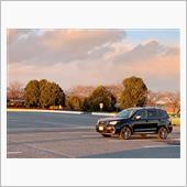 先日免許更新の際に、駐車場で📷<br /> 冬の夕暮れに、SJフォレスターが映えます✨
