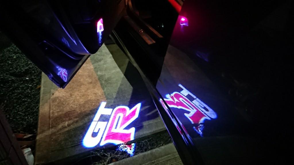 GT-RロゴLEDカーテシライトお手軽加工