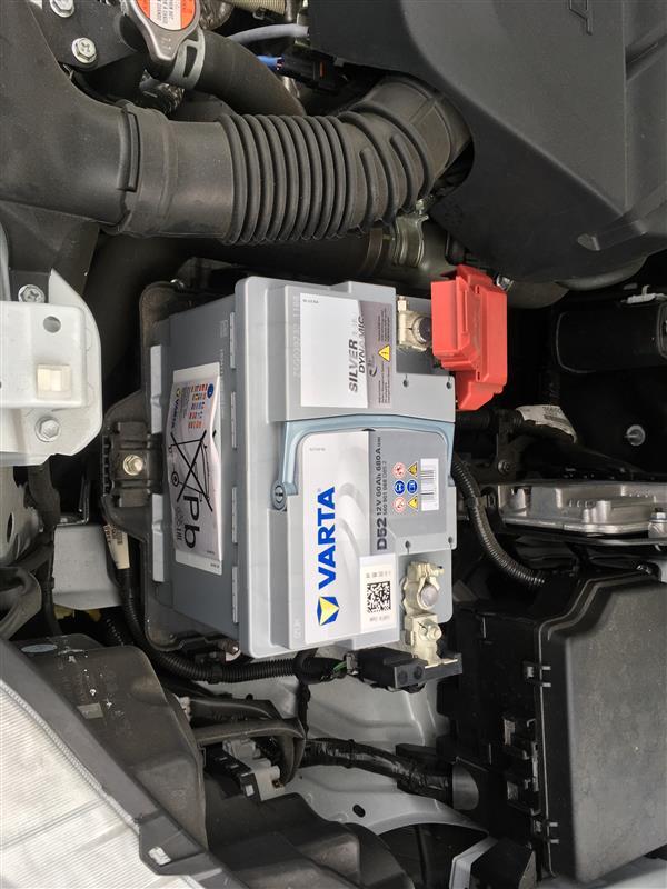 バッテリー交換  VARTA 560-901-068 D52