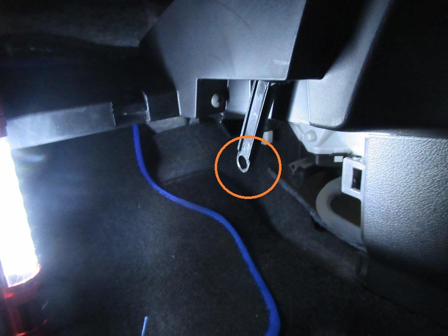 C26セレナのエアコンフィルター交換