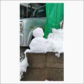 次女が雪だるまを作りました☃