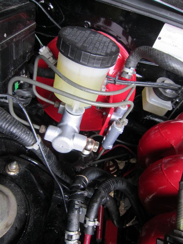 ブレーキ液漏れ修理・番外タンクサビ取り