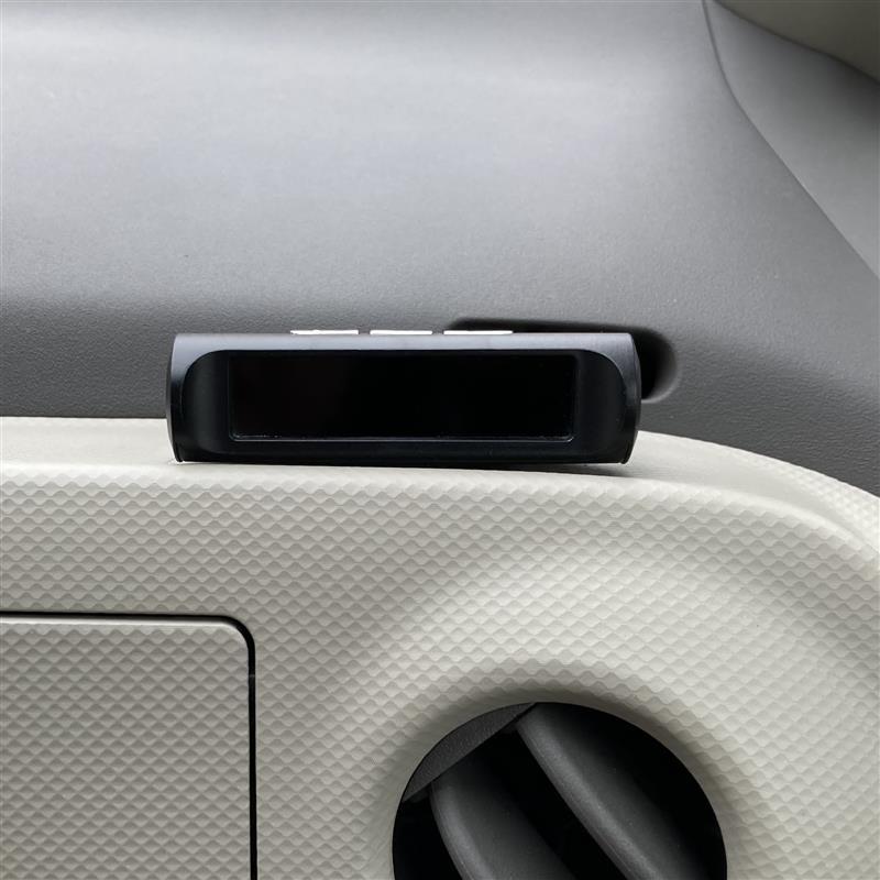 TPMS 空気圧監視モニター充電切れ
