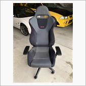 これで完成。<br /> 座り心地は快適です♪<br /> アームレストの設定を少し考える位です。<br /> もう一脚は既存のボロボロの椅子の台を加工して作ってみようかな?<br /> オススメです。<br />
