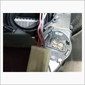 モーターの隣にあるカプラー(ぶら下がってるヤツ)が熔けてました。たぶんレジスタコイル(たしかこんな名前)かな?よく分かりませんが、抜く時にムリヤリ抜いたので、入らなくなりました😭<br /> カプラーの熔けている部分を少し削り、中の端子は大丈夫そうだったので、そのまま使用しました。