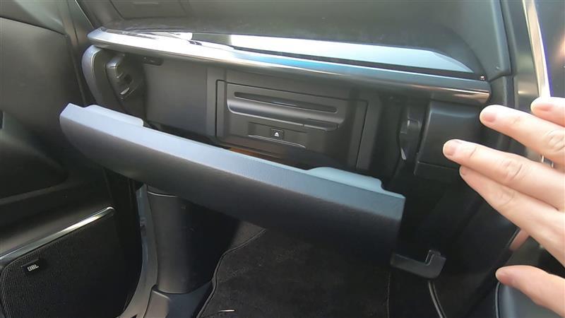 30系後期改良型メーカーオプションカーナビにキャンセラー装着