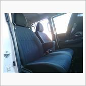 ルークスは4WD仕様しか、フロントシートにシートヒーターの設定がなし。<br /> <br /> アイミーブや、アクティブツアラーでシートヒータの味をしめてしまった為、冬はシートヒータがないと・・・