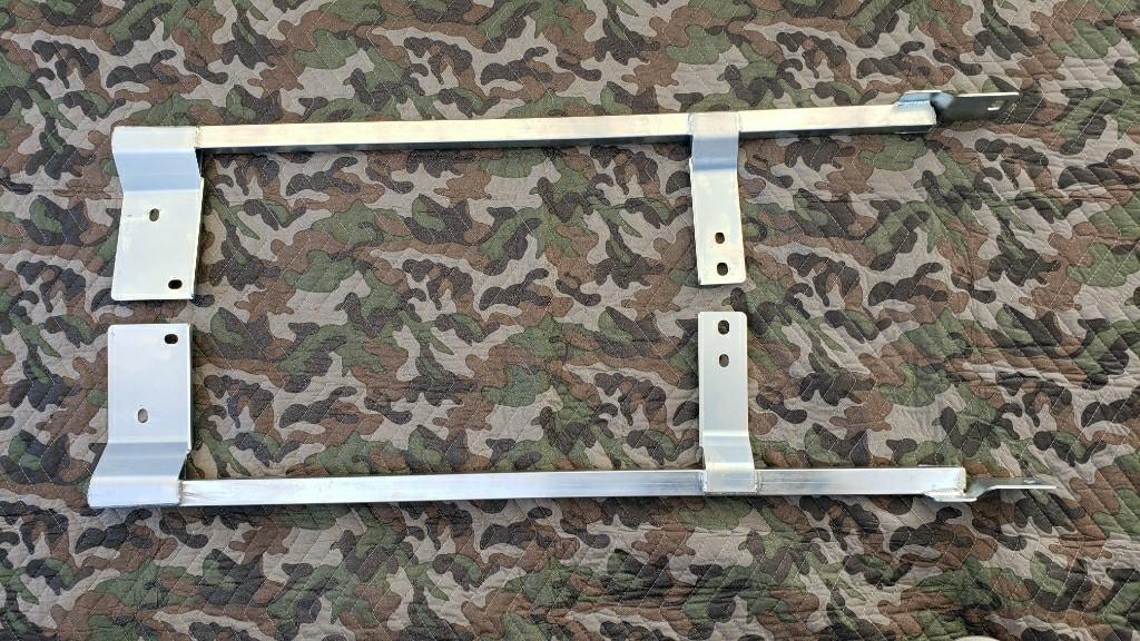 D-SPORTコペン用サイドシル補強バー 取付け穴拡張・防錆塗装