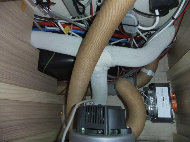 灯油FFヒーター エバスペッヒャーD4Plusのヒーターダクトの断熱を考える④