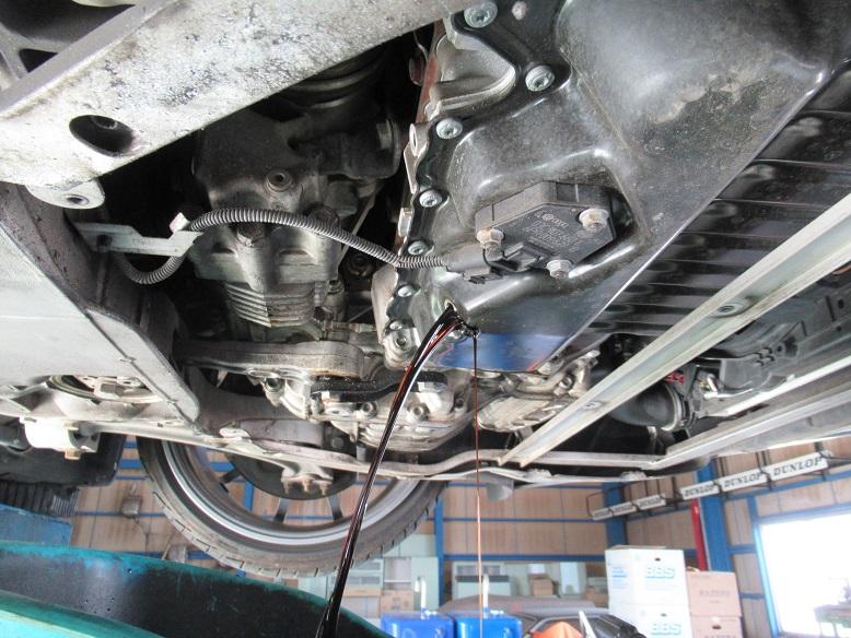 これもメンテ..AUDI 8J TT エンジンオイル+エレメント交換 4CT-S