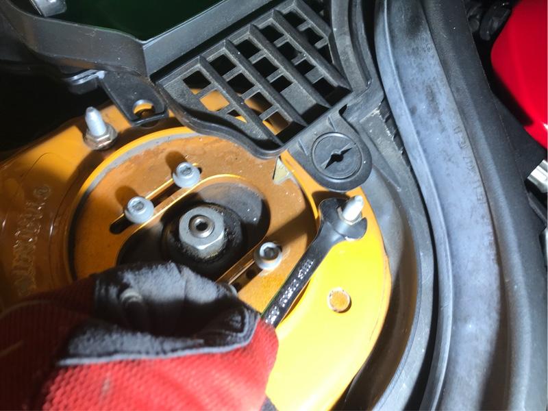 車高調のスプリング破断による新品への交換