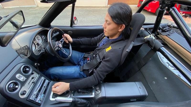 OMPの4点式シートベルト取り付け。
