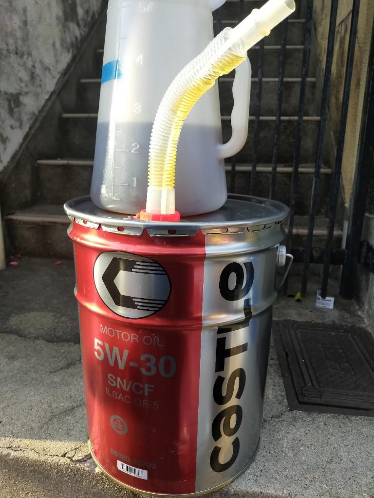 今回もキャッスル5W−30のペール缶を購入しました。