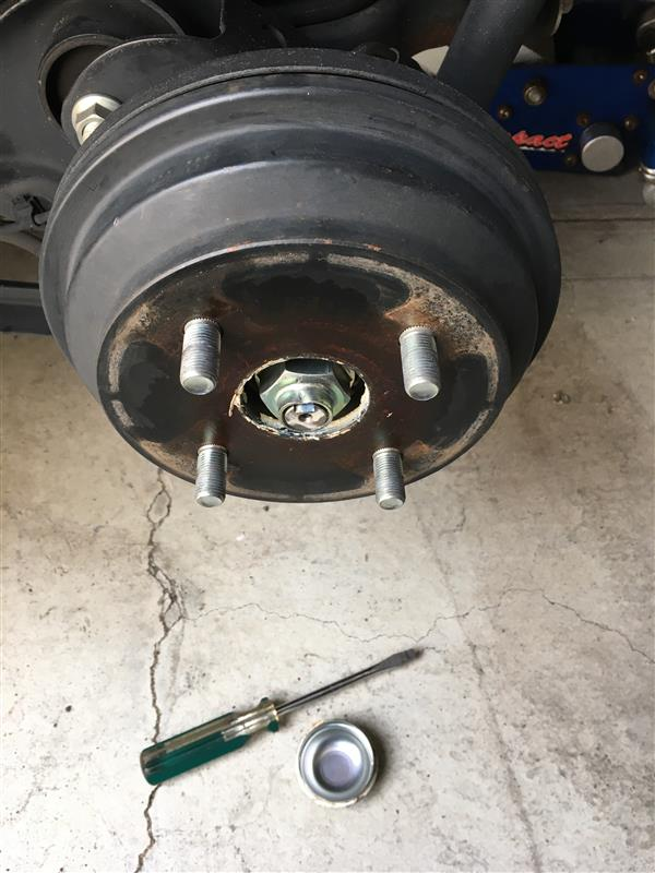 ドラムブレーキ分解清掃。